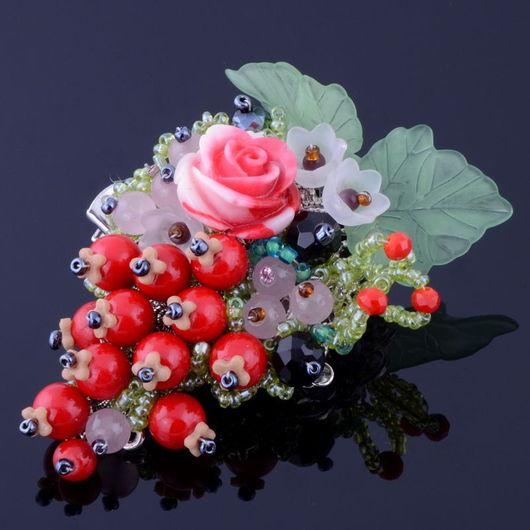 """Броши ручной работы. Ярмарка Мастеров - ручная работа. Купить Брошь-зажим """"Красная Смородина"""" из пр.коралла, роз.кварца, полим.глины. Handmade."""