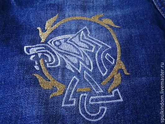 Вышивка на одежде  `Кельтский волк` mini `Шпулькин дом` мастерская вышивки