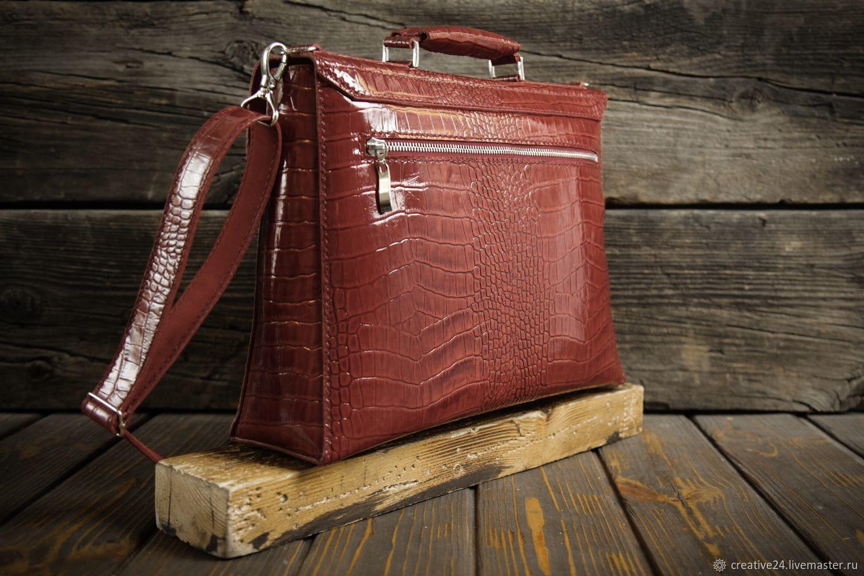 Красный женский портфель