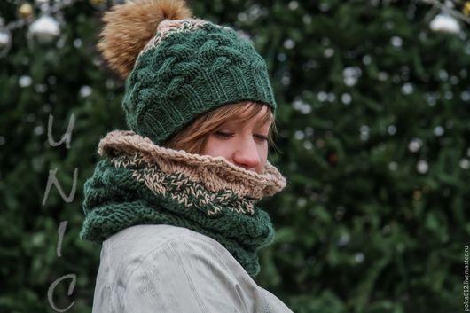 шапка и снуд, комплект шапка шарф, шапка с помпоном, шапка вязаная, шарф вязаный, варежки, купить комплект, комплект шапка снуд, Новый год, Рождество, ёлочка, зелёный, бежевый, праздник
