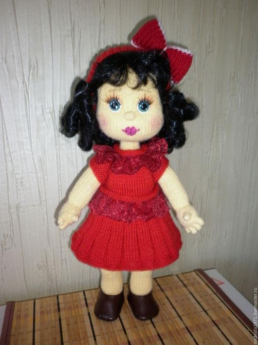 Человечки ручной работы. Ярмарка Мастеров - ручная работа. Купить Кукла вязаная Мила. Handmade. Ярко-красный, пряжа акрил
