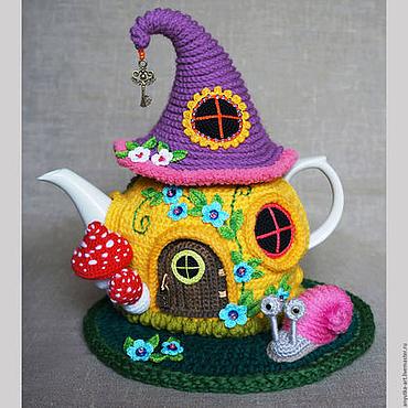"""Для дома и интерьера ручной работы. Ярмарка Мастеров - ручная работа Грелка на чайник """"Сказочный домик"""" (с чайником). Handmade."""
