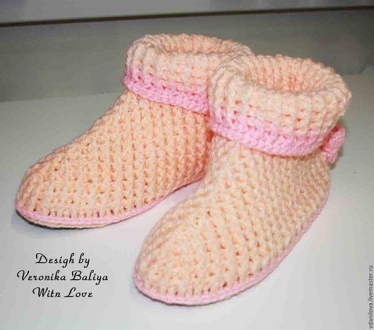 """Обувь ручной работы. Ярмарка Мастеров - ручная работа. Купить Домашние вязаные сапожки """"Уютные"""" Персик-розовый. Handmade. Разноцветный"""