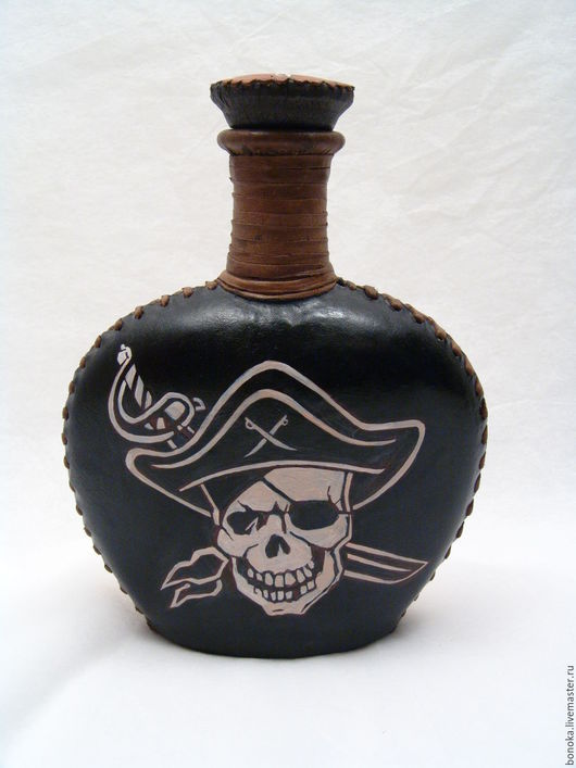 """Подарки для мужчин, ручной работы. Ярмарка Мастеров - ручная работа. Купить Бутыль в коже """"Мой пират"""". Handmade. Разноцветный, романтика"""