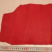 Материалы для творчества ручной работы. Ярмарка Мастеров - ручная работа кожа в кусках (алая). Handmade.