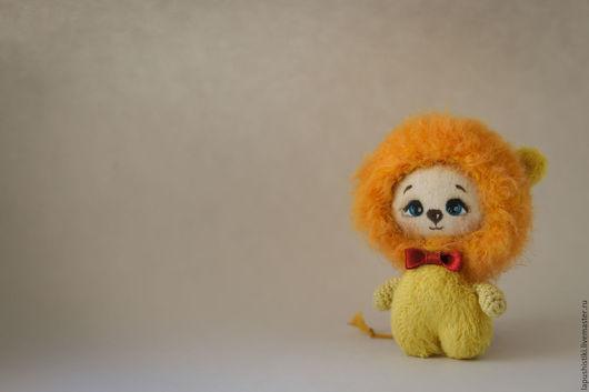 Текстильная игрушка `Лапушистики - Львенок`.