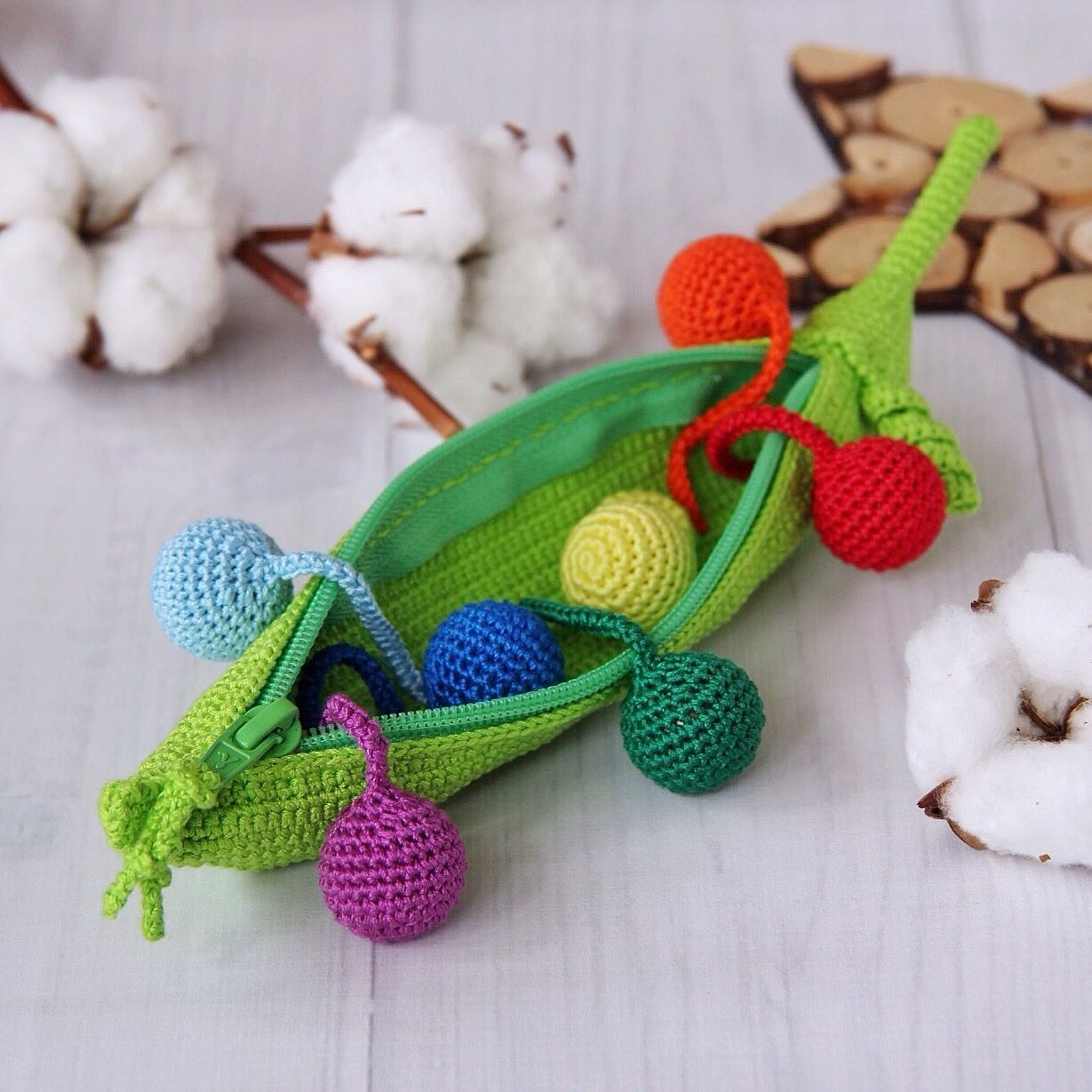 Developing tactile toy pea Pod, Stuffed Toys, Moscow,  Фото №1
