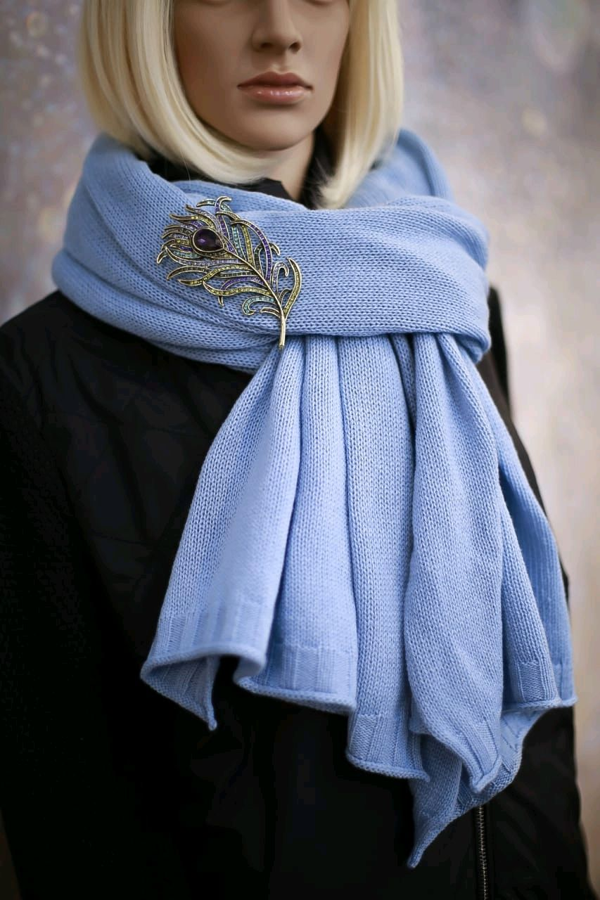 Stole 'heavenly' from 100 % cashmere Cariaggi, Wraps, St. Petersburg,  Фото №1