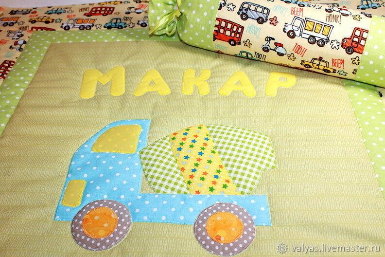 Детская ручной работы. Ярмарка Мастеров - ручная работа. Купить Детский комплект для новорожденного. Handmade. Лоскутное одеяло, валик