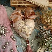 """Подарки к праздникам ручной работы. Ярмарка Мастеров - ручная работа """"Прогулка"""" сердечко-подвеска интерьерная. Handmade."""