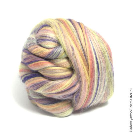 Бленд ` Duckly Daisy`  сочетание шерсти и  фиолетовых волокон бамбука