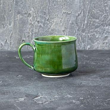 """Посуда ручной работы. Ярмарка Мастеров - ручная работа Керамическая кружка """"Зелёный Огонёк"""". Handmade."""