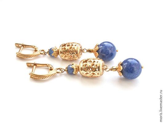 Серьги из серебра с позолотой из сапфира и содалита. Легкие синие серьги из серебра с позолотой,  натурального синего сапфира и натурального содалита красивого джинсового цвета