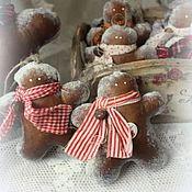 Подарки к праздникам ручной работы. Ярмарка Мастеров - ручная работа Пряничные человечки-елочные подвески, сувениры. Handmade.