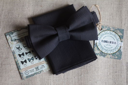 Бабочка. Серия `Темно-синий` Стиль `Business` Элегантная фактура ткани, степенный темно-синий цвет. Имидж безупречен!