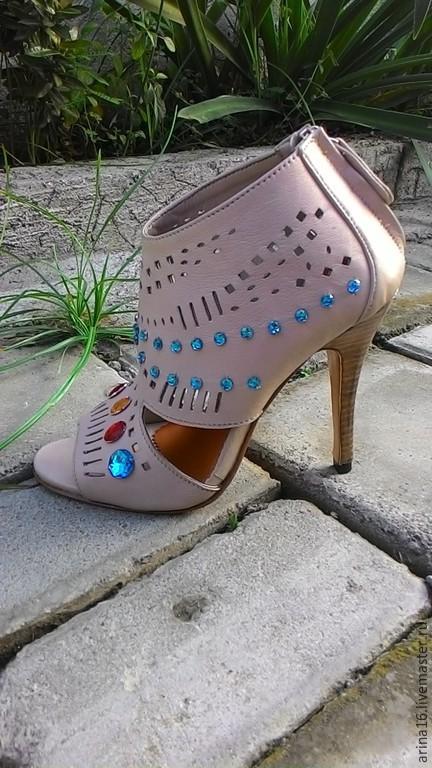 Обувь ручной работы. Ярмарка Мастеров - ручная работа. Купить Ботильоны летние Gucci. Handmade. Бежевый, летние туфли