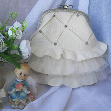 """Свадебный салон ручной работы. Ярмарка Мастеров - ручная работа Сумочка валяная светлая  """"Рококо"""", свадебная сумочка на фермуаре. Handmade."""
