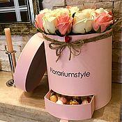 """Цветы и флористика ручной работы. Ярмарка Мастеров - ручная работа Букет из роз в шляпной коробке """"Нежность"""". Handmade."""