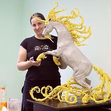 Куклы и игрушки ручной работы. Ярмарка Мастеров - ручная работа статуя единорога 1 метр (цвета на заказ серый с золотом). Handmade.
