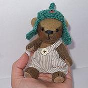 Куклы и игрушки ручной работы. Ярмарка Мастеров - ручная работа Карманный мишка Павлушка. Handmade.