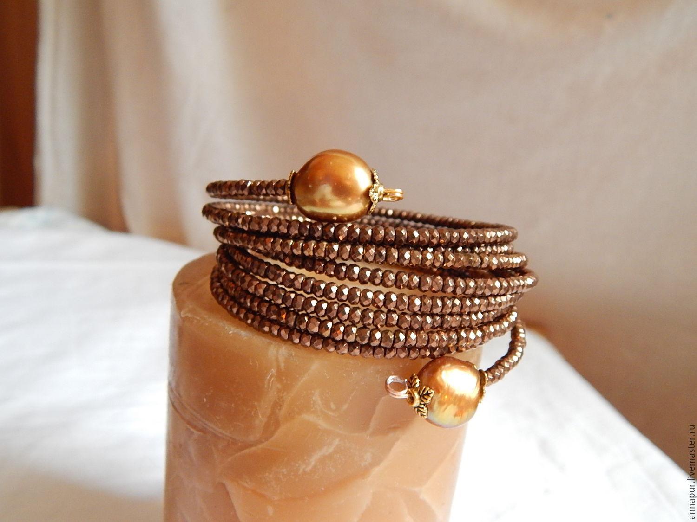 Красивый многорядный браслет из гематита и жемчуга Солнечные Орешки