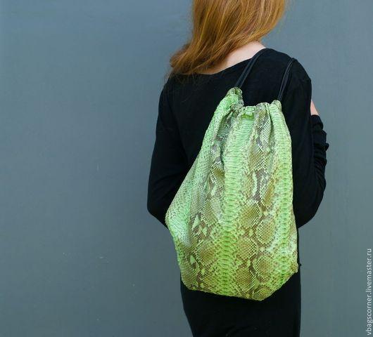 Женские сумки ручной работы. Ярмарка Мастеров - ручная работа. Купить Сумка-рюкзак Backpack из кожи питона. Handmade.