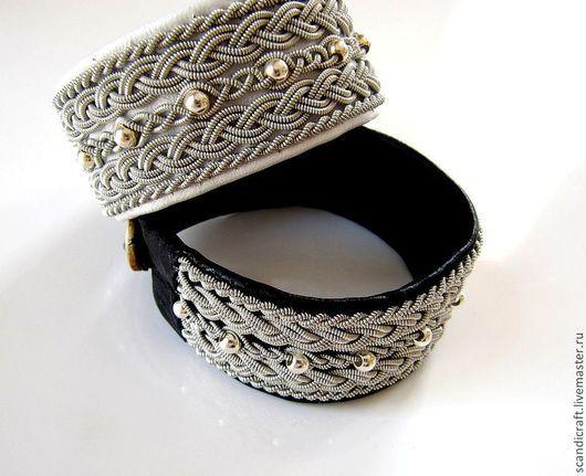 Нежный изысканый кожаный шведский широкий браслет из кожи оленя или ягненка с серебряными бусинами.