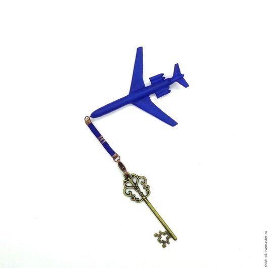 """Брелоки ручной работы. Ярмарка Мастеров - ручная работа. Купить Брелок из кожи """"Самолет"""". Handmade. Однотонный, кожаный брелок, небо"""