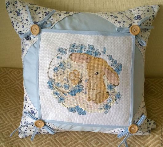 Текстиль, ковры ручной работы. Ярмарка Мастеров - ручная работа. Купить Зайчик и бабочка. Handmade. Голубой, желтый, цветы, мулине