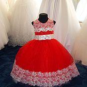 Работы для детей, ручной работы. Ярмарка Мастеров - ручная работа Платье красное и гипюром  на 4-6 лет. Handmade.