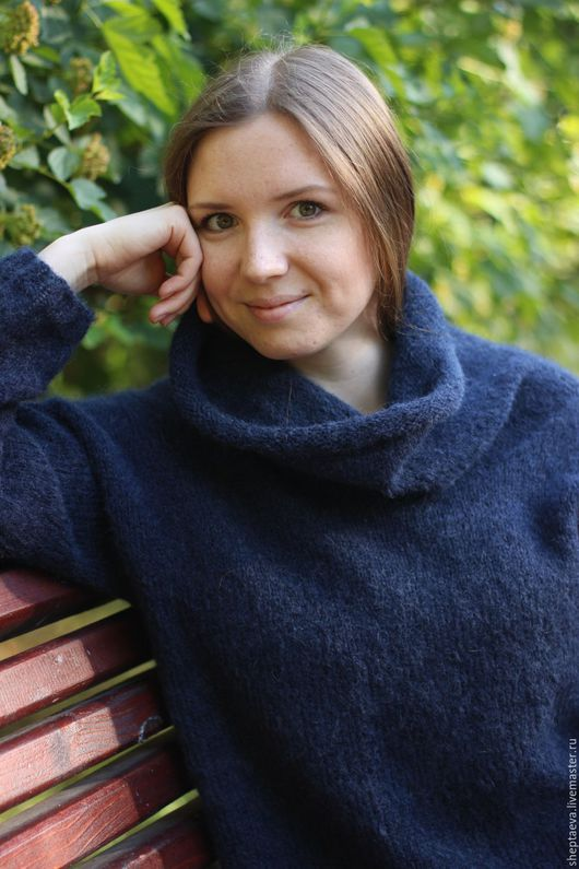 """Кофты и свитера ручной работы. Ярмарка Мастеров - ручная работа. Купить Женский свитер """"Воздушный"""". Handmade. Тёмно-синий"""
