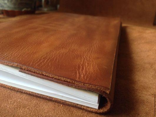Блокноты ручной работы. Ярмарка Мастеров - ручная работа. Купить Блокнот из натуральной кожи А5 со сменным блоком бумаги. Handmade.