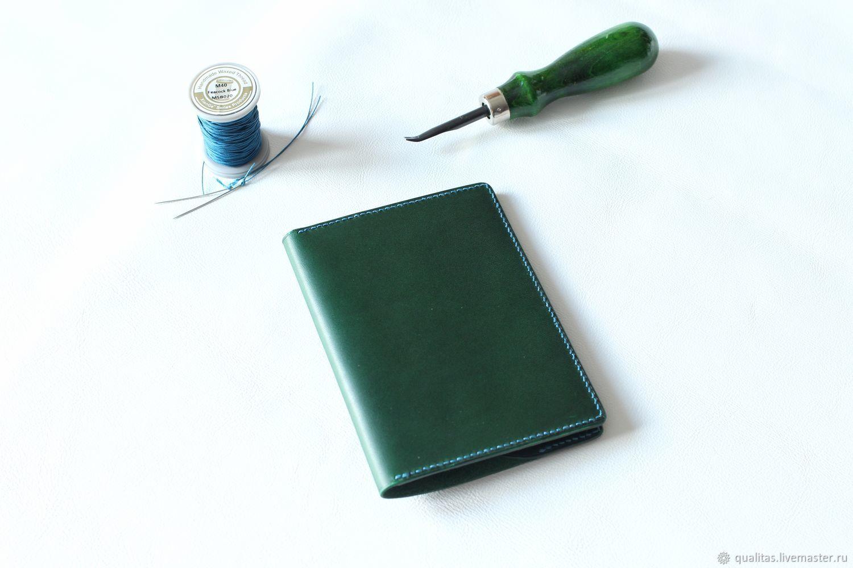 Обложки ручной работы. Ярмарка Мастеров - ручная работа. Купить Обложка для паспорта из кожи зеленого цвета. Handmade. Подарок девушке