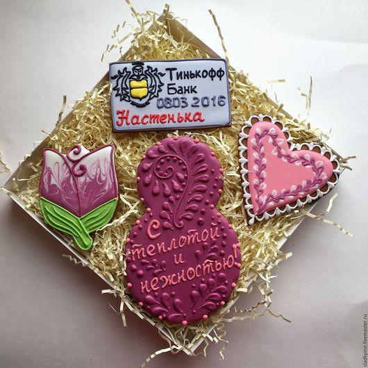 Кулинарные сувениры ручной работы. Ярмарка Мастеров - ручная работа. Купить Набор имбирных пряников (печенья)с логотипом восьмерка и цветы. Handmade.