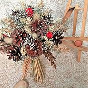 Букеты ручной работы. Ярмарка Мастеров - ручная работа Зимний букет из шишек и красных сухоцветов. Новогодний букет. Handmade.