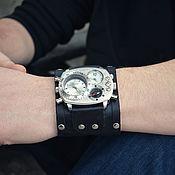 Украшения ручной работы. Ярмарка Мастеров - ручная работа Часы наручные Brutal Black, наручные часы на широком кожаном браслете. Handmade.