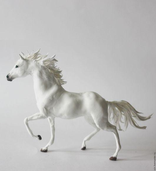 """Игрушки животные, ручной работы. Ярмарка Мастеров - ручная работа. Купить фигурка """"статуэтка белой лошади"""" (портретная, лошадь молочного цвета). Handmade."""