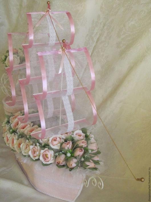 """Букеты ручной работы. Ярмарка Мастеров - ручная работа. Купить Корабль из конфет """"Свадебный"""" (2 варианта). Handmade. Бледно-розовый"""