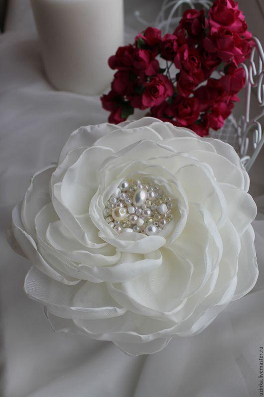"""Броши ручной работы. Ярмарка Мастеров - ручная работа. Купить Брошь-цветок """"Молочный"""". Handmade. Белый, молочный цвет"""