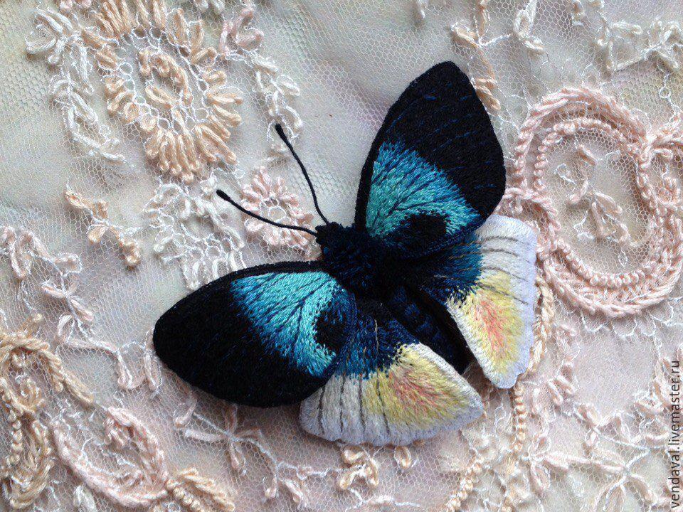 Брошь бабочка вышивка