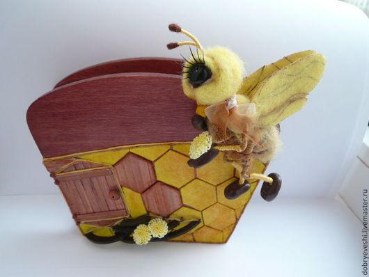 Кухня ручной работы. Ярмарка Мастеров - ручная работа. Купить Салфетница с солнечной пчелкой. Handmade. Желтый, эксклюзивная вещь, миниатюра