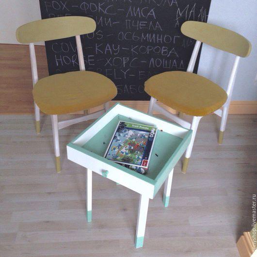 Реставрация двух стульев, и создание нового предмета мебели из ящика винтажного буфета и табурета IKEA