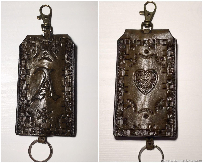 Ключницы, брелоки из натуральной кожи с тиснением. Ручная работа