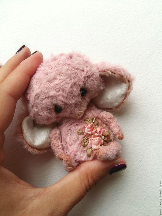 """Мишки Тедди ручной работы. Ярмарка Мастеров - ручная работа. Купить маленький слоник тедди """"Рози"""". Handmade. Бледно-розовый"""