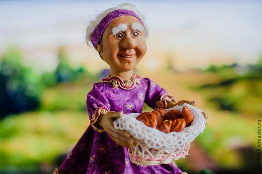 Коллекционные куклы ручной работы. Ярмарка Мастеров - ручная работа. Купить Бабушка Миртл с корзиной. Handmade. Брусничный, кукла в подарок