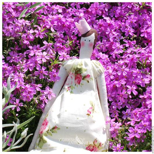 Куклы Тильды ручной работы. Ярмарка Мастеров - ручная работа. Купить Кукла Тильда Принцесса с сердечком. Handmade. Лимонный, цветы