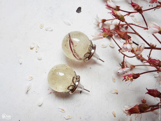 """Серьги ручной работы. Ярмарка Мастеров - ручная работа. Купить Серьги-гвоздики """"Пушинки"""" из настоящих цветов. Handmade. Белый"""