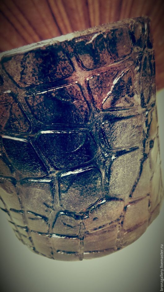 """Браслеты ручной работы. Ярмарка Мастеров - ручная работа. Купить Браслет """"Черный перламутр"""", натуральное дерево, широкий. Handmade. Браслет"""