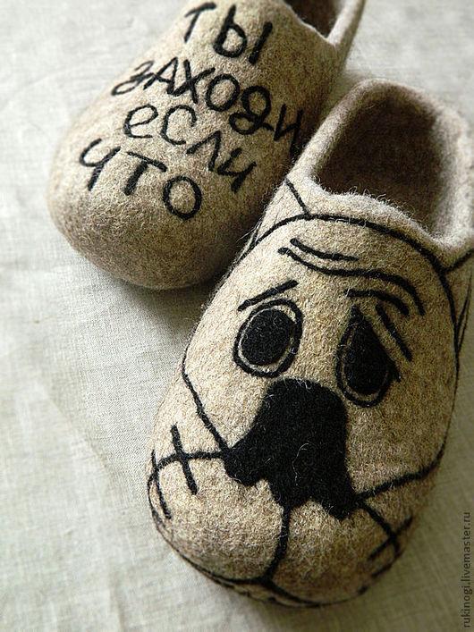"""Обувь ручной работы. Ярмарка Мастеров - ручная работа. Купить тапочки мужские """"Жил-был...волк""""))). Handmade. Домашние тапочки"""