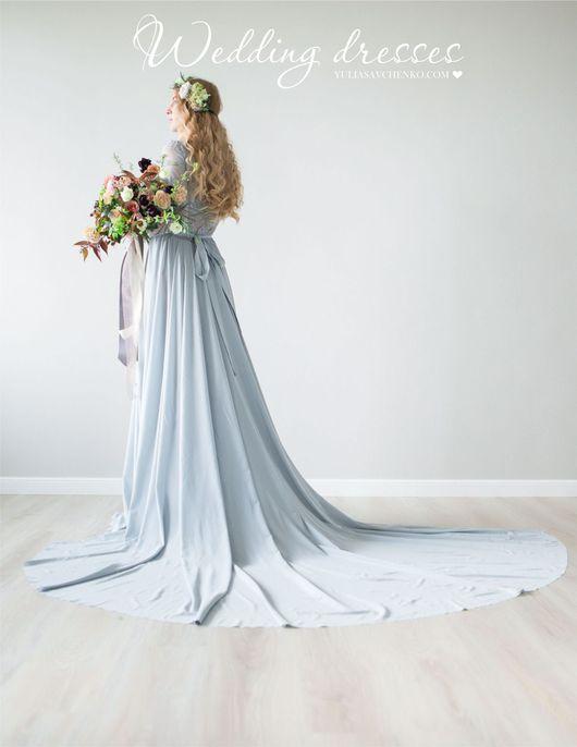 Платье кружевное со шлейфом